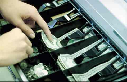 Контрольно кассовые машины Контрольно кассовая машина это инструмент контроля со стороны государства за налично денежным оборотом полнотой и своевременностью оприходования